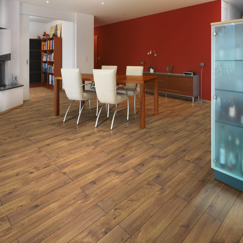 Vivant 8mm Cavallo Oak 4V Groove Laminate Flooring