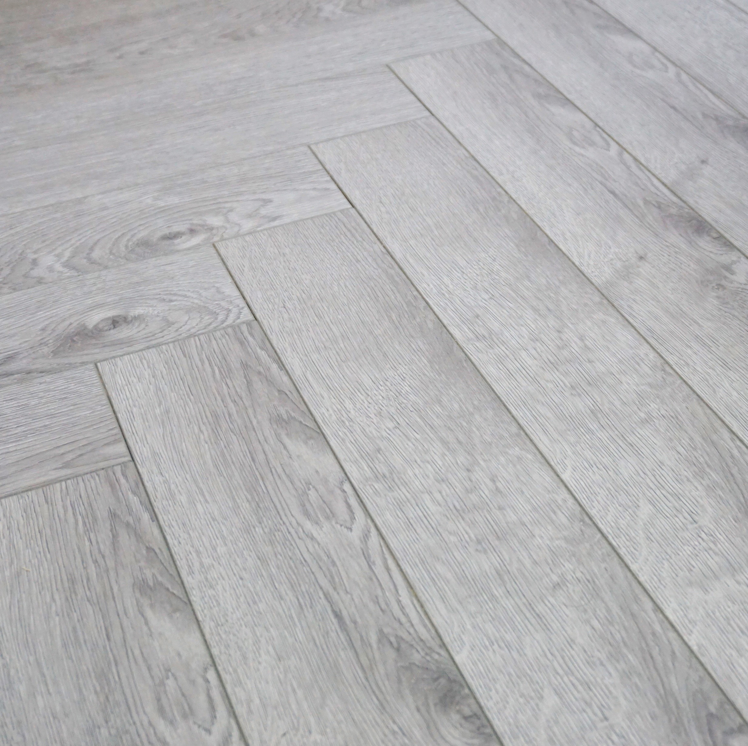 Vivant Vintage Herringbone 12mm Grey Oak 4V Laminate