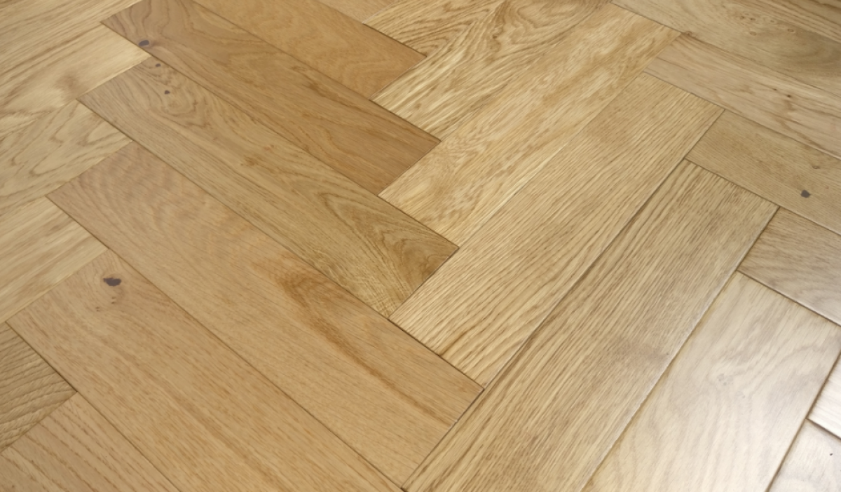 Riviera 14/3 x 90mm Natural Lacquered Herringbone Engineered