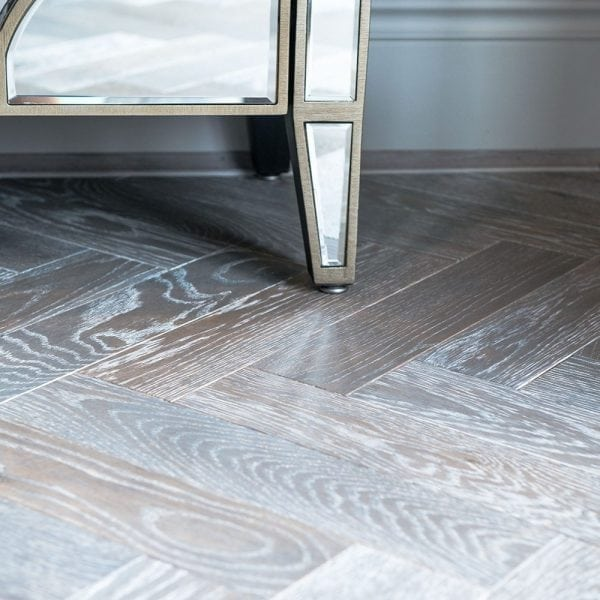Dolcevita 15/4 x 90mm Sandy Silver Oak Herringbone Engineered
