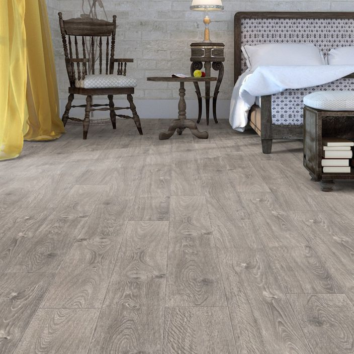 Pro 8mm Chiswick Grey Oak Effect Luxury Vinyl Click Flooring