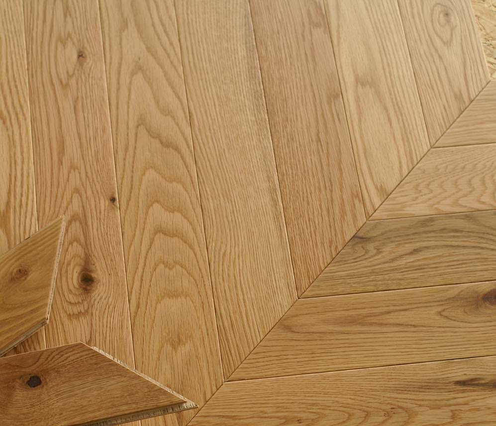 Nevada Chevron 15/4 x 90mm Natural Oak Herringbone Engineered Flooring