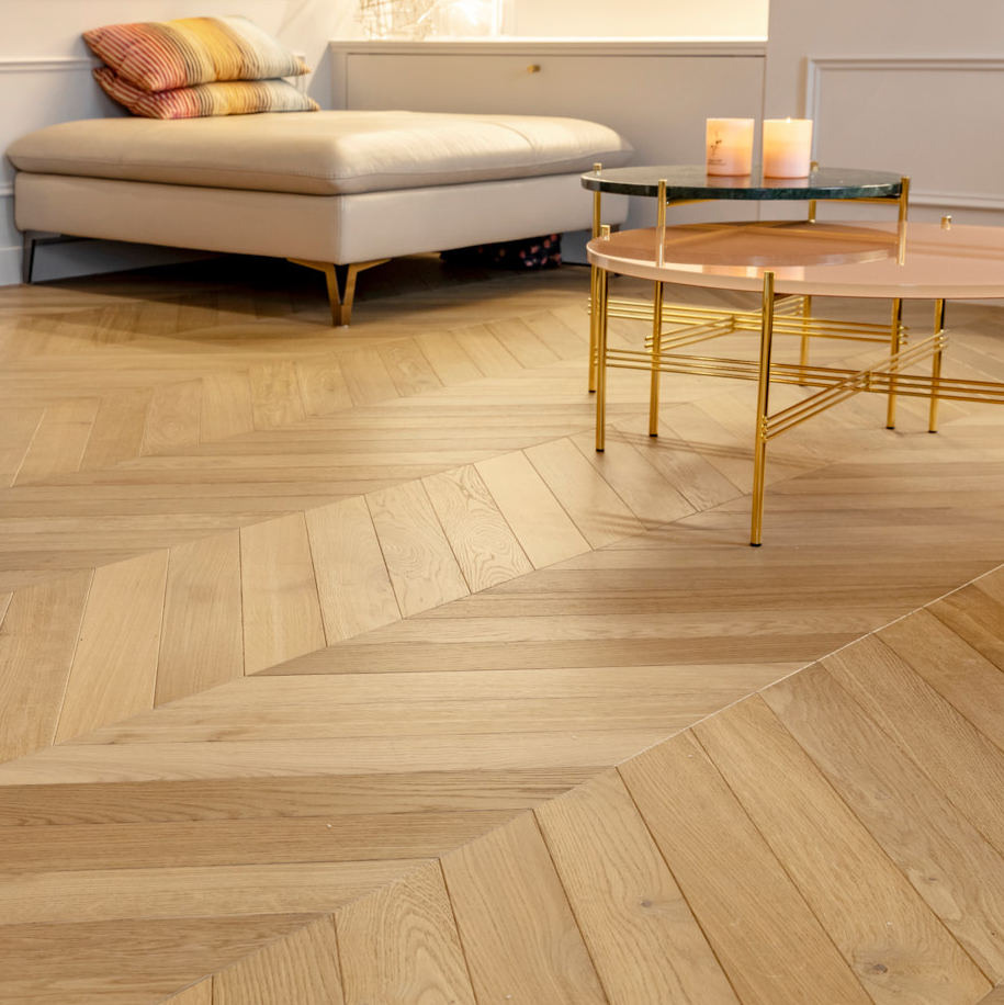 Dolcevita Chevron 10/4 x 90mm Natural Oak Engineered Flooring