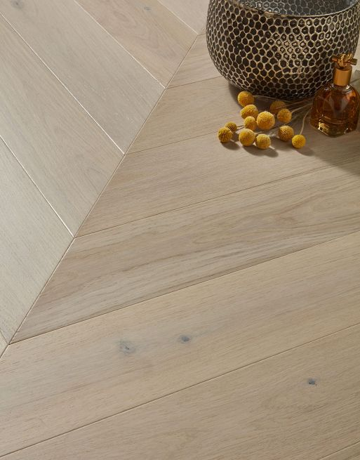 Dolcevita Chevron 10/4 x 90mm Seashell Oak Engineered Flooring